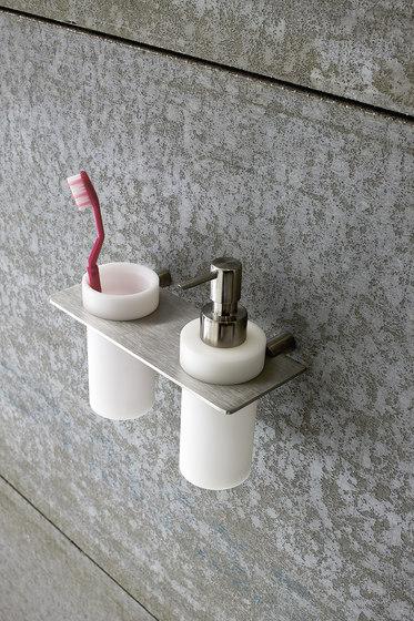 accesorios de baño en acero inox, vaso y dispensador