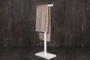 toallero de pie corian